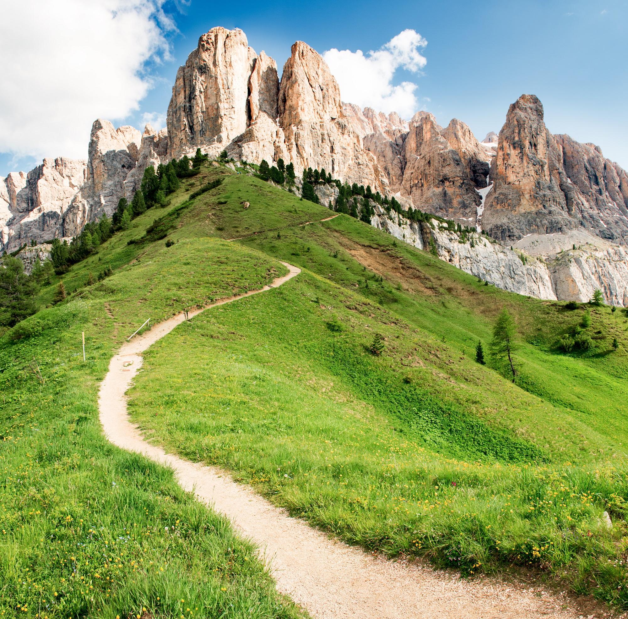 Eco-friendly travel tips mountains